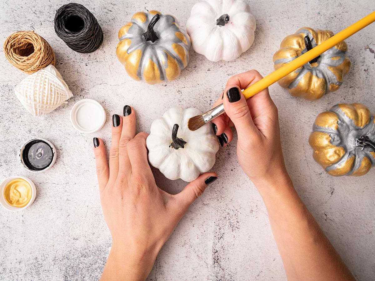 crafts painted pumpkins