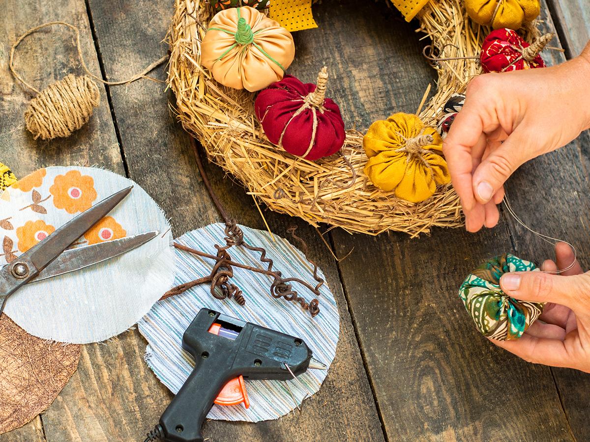 crafts pumpkin wreath