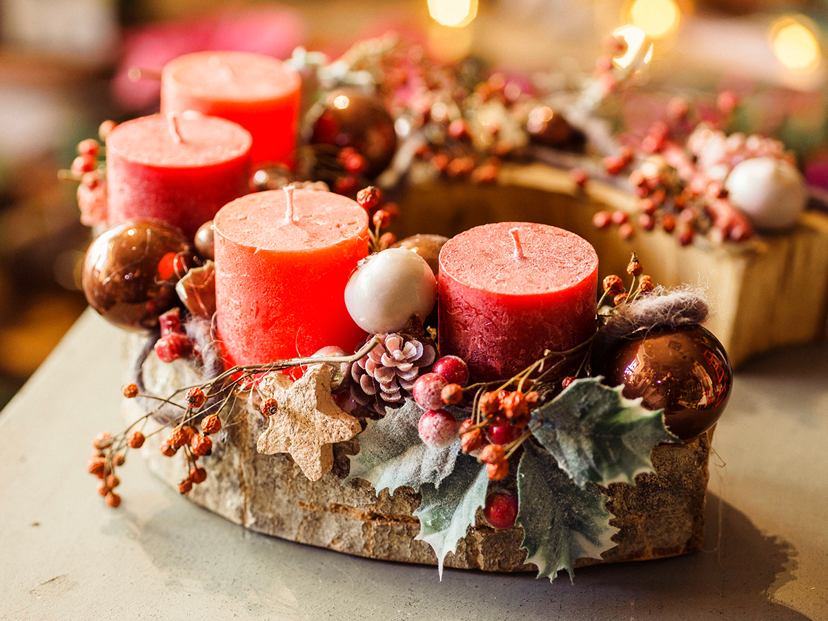 11 Easy Holiday Decorations holiday centerpiece